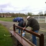 Henri et Jeannot lavant les bancs